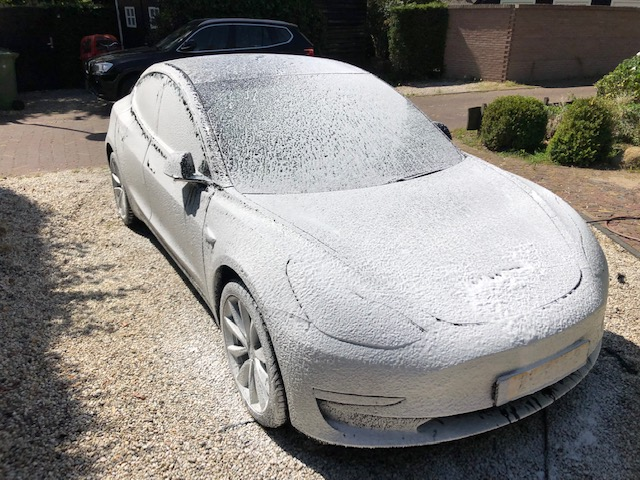 https://rjmanagement.nl/tweakers/tesla_foam.jpg